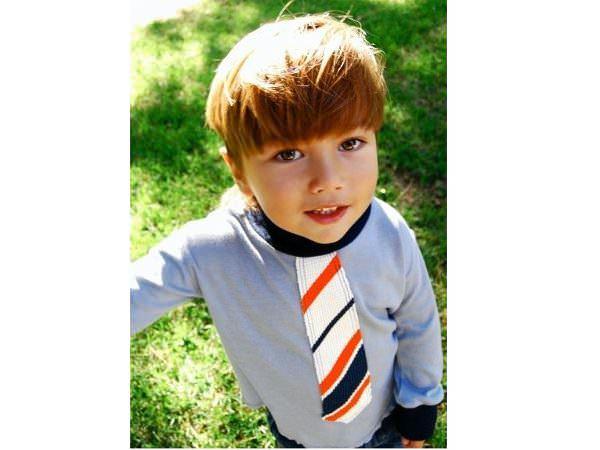 Am cravata mea, sunt băiețel