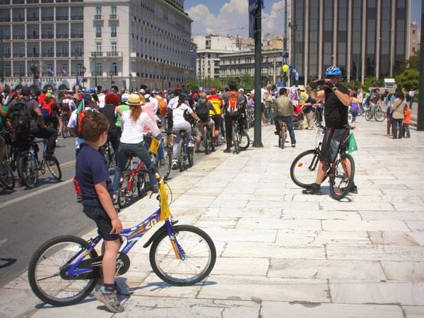 Părinți bicicliști, uniți-vă!