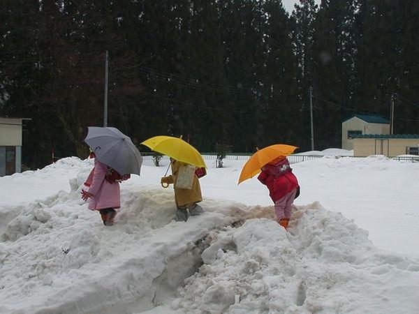 Jocuri la zăpadă