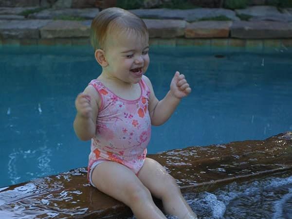 Cursuri de înot pentru copii mici și copii mari