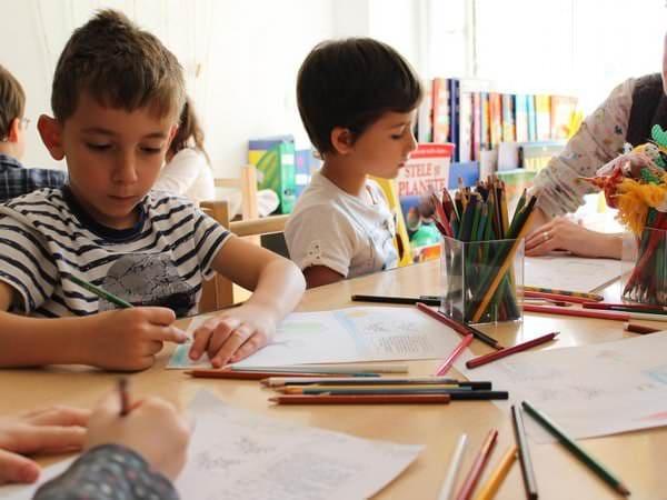 Alternativa Step by Step în educație – 20 de ani și peste 250.000 de copii care au învățat cu ajutorul metodei
