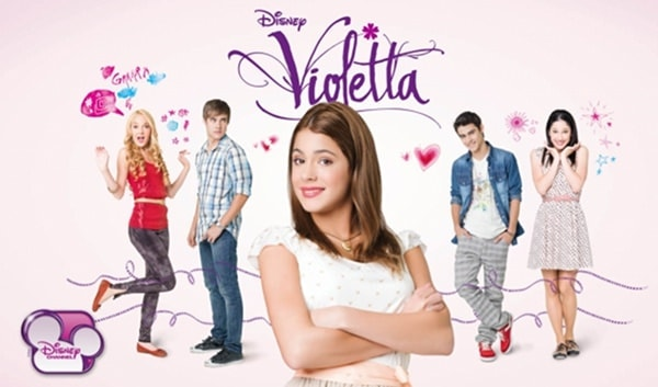 Violetta ne aduce 100 de albume [CONCURS]