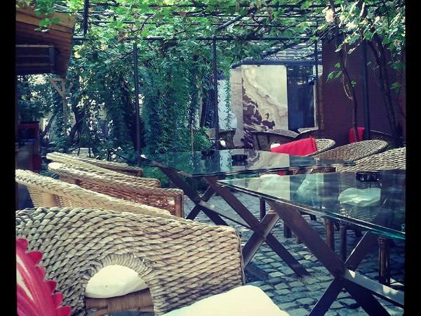 Oaza de verdeață din centrul orașului: Grădina OAR
