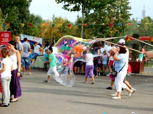 SOS Mașina cu Jucării, în Parcul Lumea Copiilor din Sectorul 4