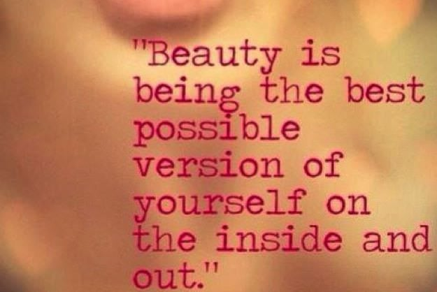 Despre frumusețe și nevoia de a fi frumoasă