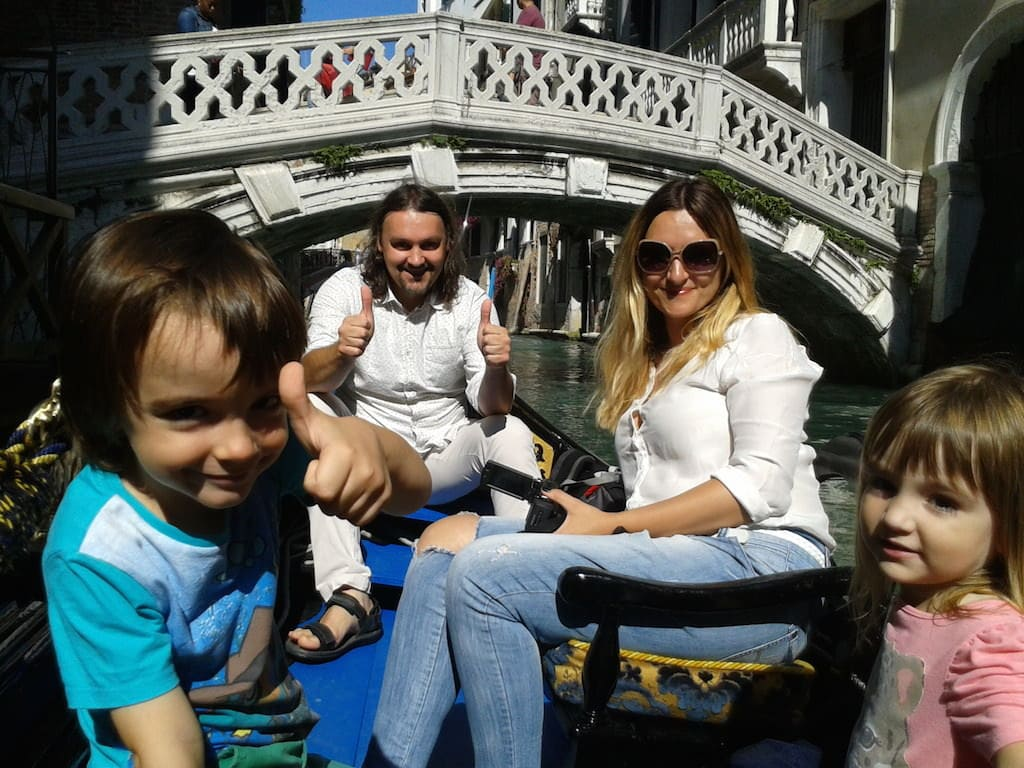 Interviu fashion & family break – Carla Enea