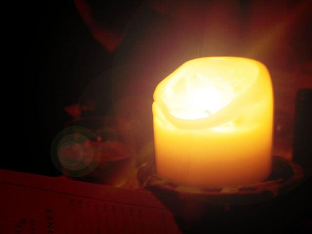 la lumina lumanarii
