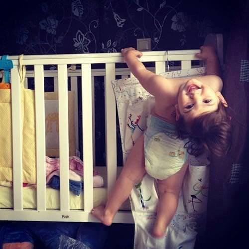 5 activități de încercat în casă cu copiii mici