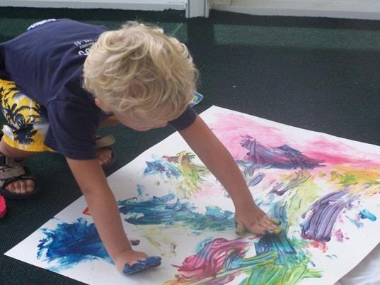 Culori făcute'n casă pentru desenele copiilor