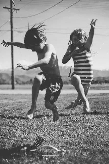 Cum să crești copii fericiți
