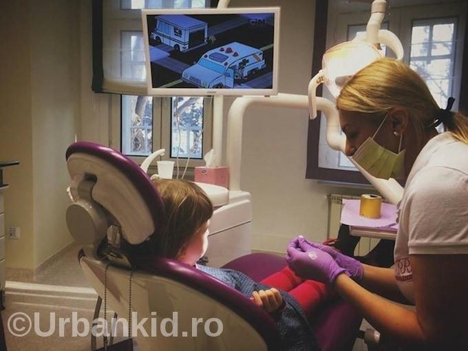 Prima vizită la stomatolog a copilului tău