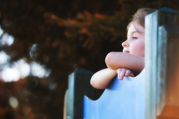 În România, peste 80.000 de copii au părinţii plecaţi la muncă în străinătate