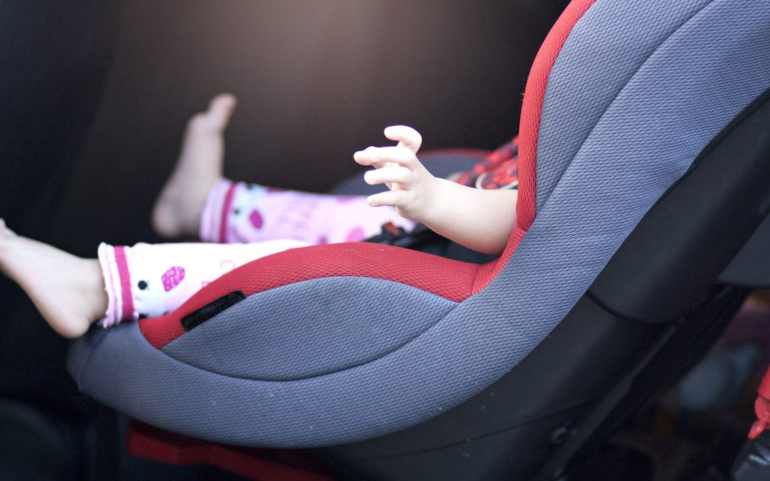 Stiai ca 90% dintre scaunele auto pentru copii nu sunt instalate corect? Afla greselile