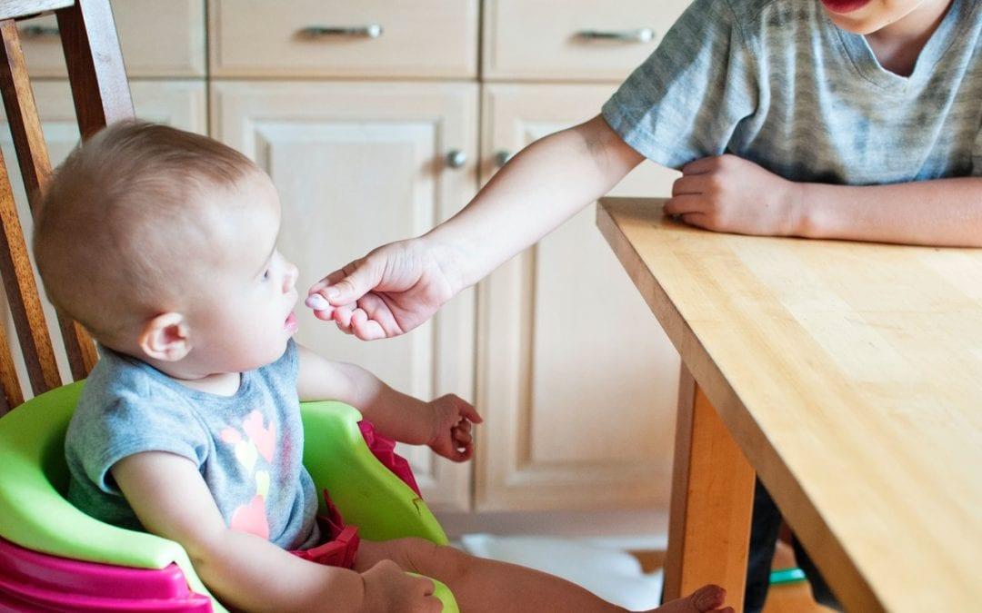 7 greșeli pe care le fac părinții în alimentația copilului și cum să le eviți