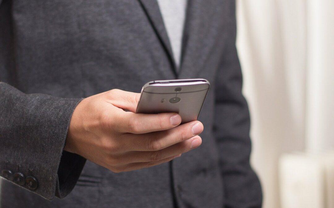 Cum îți întreții telefonul: 3 metode simple și eficiente